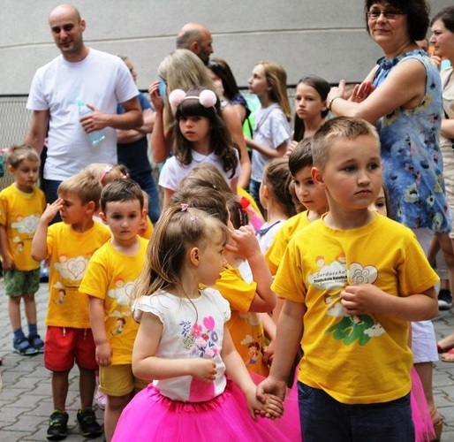 Festyn w Szkole Podstawowej Zgromadzenia Córek Bożej Miłości im.Franciszki Lechner
