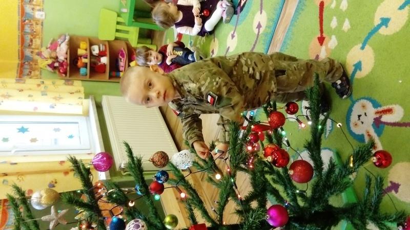 Przygotowania do świąt Bożego Narodzenia - grupa Maluszki - ul.Moniuszki