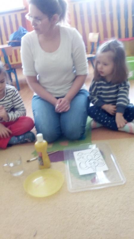 Zajęcia edukacyjne Bawimy się kolorami (Maluszki)