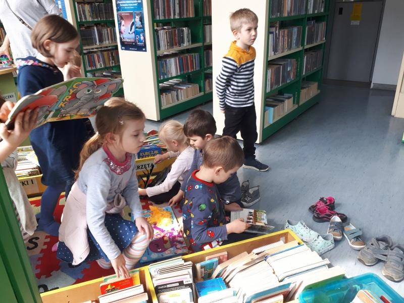 Zwiedzanie Książnicy Beskidzkiej (Starszaki)
