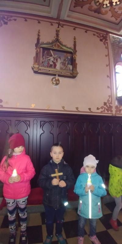 Droga Krzyżowa z udziałem Dzieci (Maluszki i Starszaki)