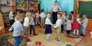 Dzień Nauczyciela - występy Słoneczek i Promyczków